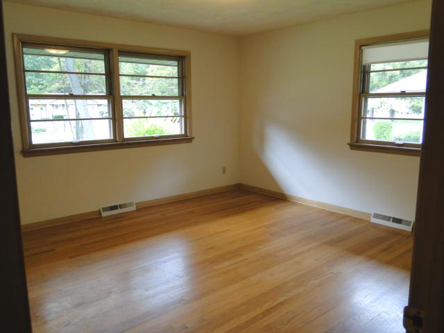 All 3 bedrooms have hardwood flooring